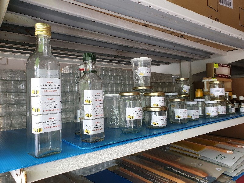 Récolter du miel à La Réunion (974) | Faustin Apiculture